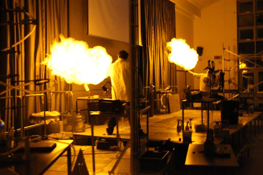Liskeard-School-Science-Show-1