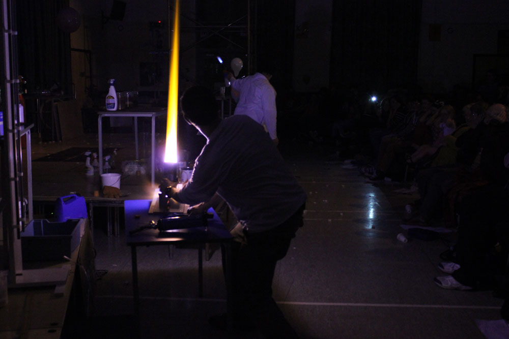 Liskeard-School-Science-Show-2