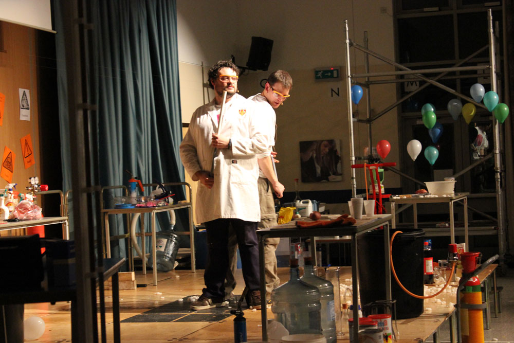 Liskeard-School-Science-Show-5