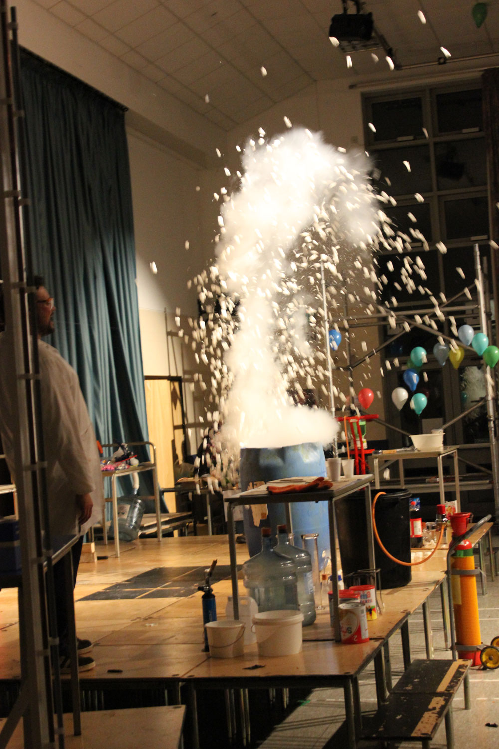 Liskeard-School-Science-Show-6